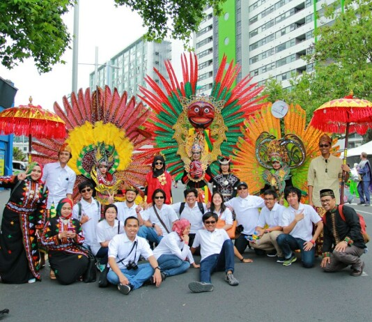 Wonderful Indonesia in Auckland Farmers Santa Parade 2016. Source: PPI Auckland 2016