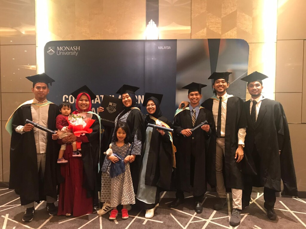 Wila, her daughter, and friends at the graduation ceremony at Monash University. Source: Personal documentation