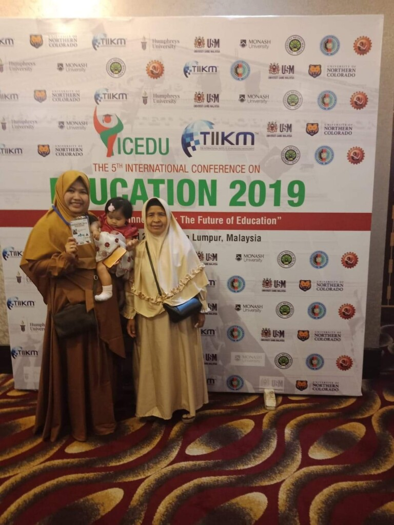 Wila with her mom and daughter at ICEDU conference in Malaysia. Source: Personal documentation