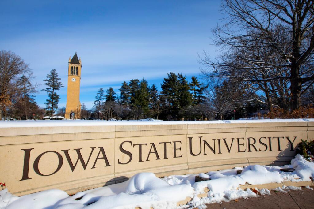 Iowa State University of Science and Technology (ISU) adalah universitas publik berbasis riset dia Ames, Iowa, Amerika Serikat