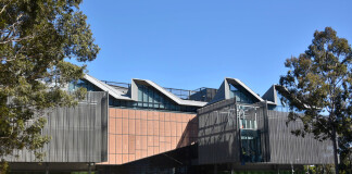 Monash University Learning and Teaching Building, Faculty of Education. Sumber: Rob Deutscher on Flickr