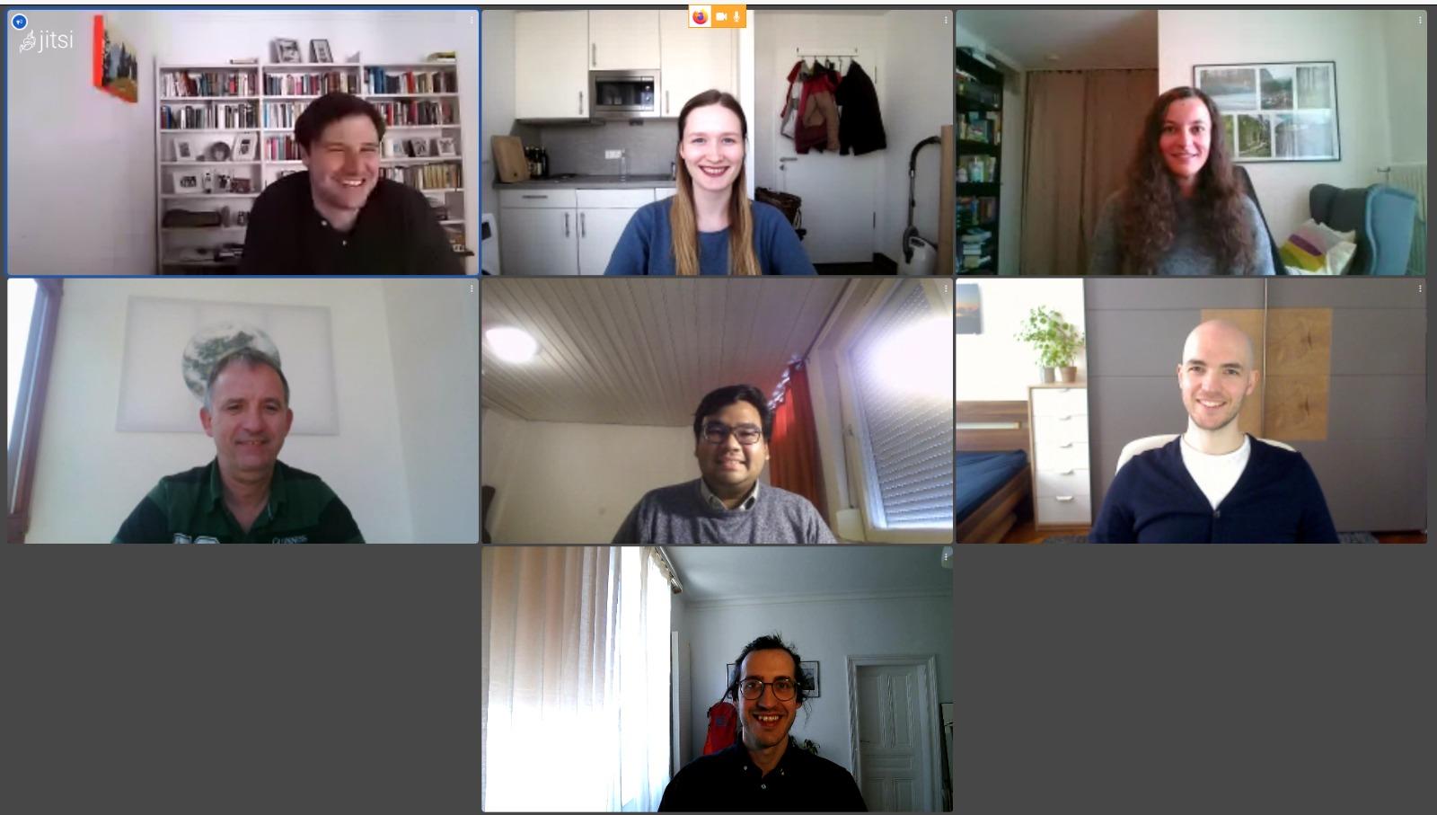 Yoga (tengah), research fellow - DLR, bersama teman satu tim kerjanya, melakukan aktivitas pekerjaannya secara daring ditengah keadaan pandemi Covid-19