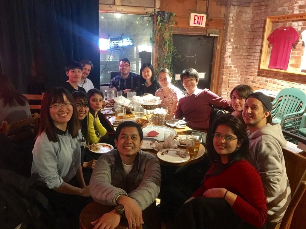 Makan malam bersama anggota CAPP. (Penulis)