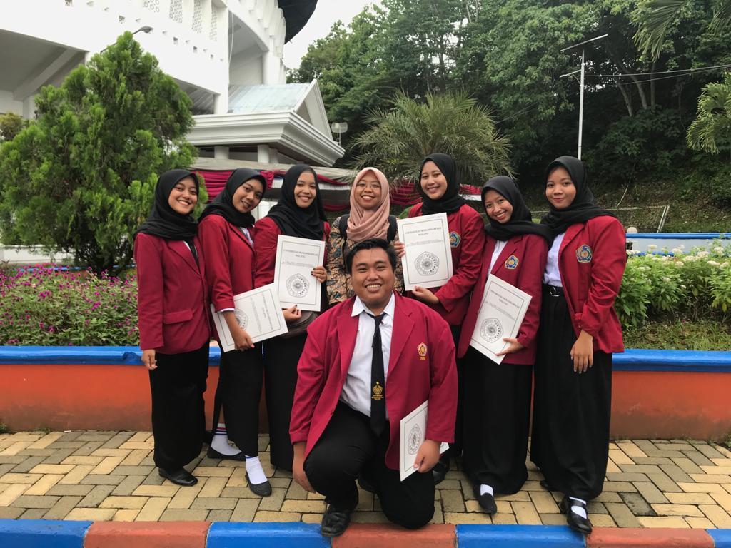 Dwi went back to Universitas Muhammadiyah Malang as an ESP tutor and English lecturer. Source: Personal documentation