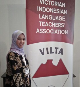 Restika Syarah di pertemuan Victorian Indonesian Language Teachers Association (VILTA). Sumber: Dokumentasi pribadi