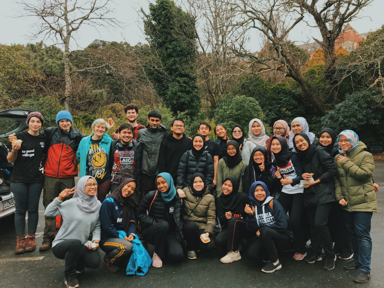 Kumutoto volunteering activity with International students in New Zealand. Source: Personal documentation