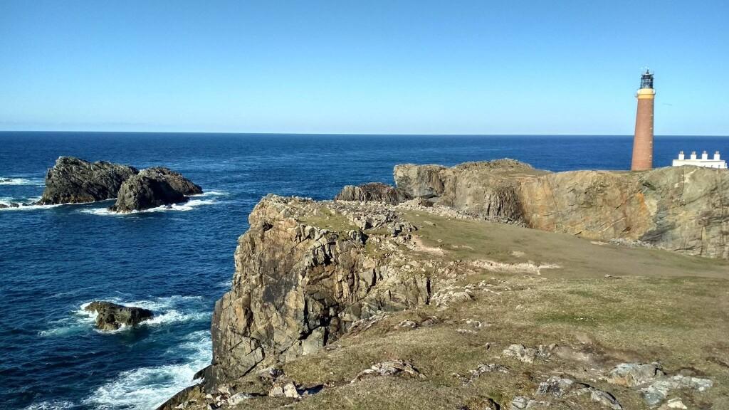 Kenampakan Samudra Atlantik dari Eoropiadh, Eilean Siar. Instagram: alif_sussardi.