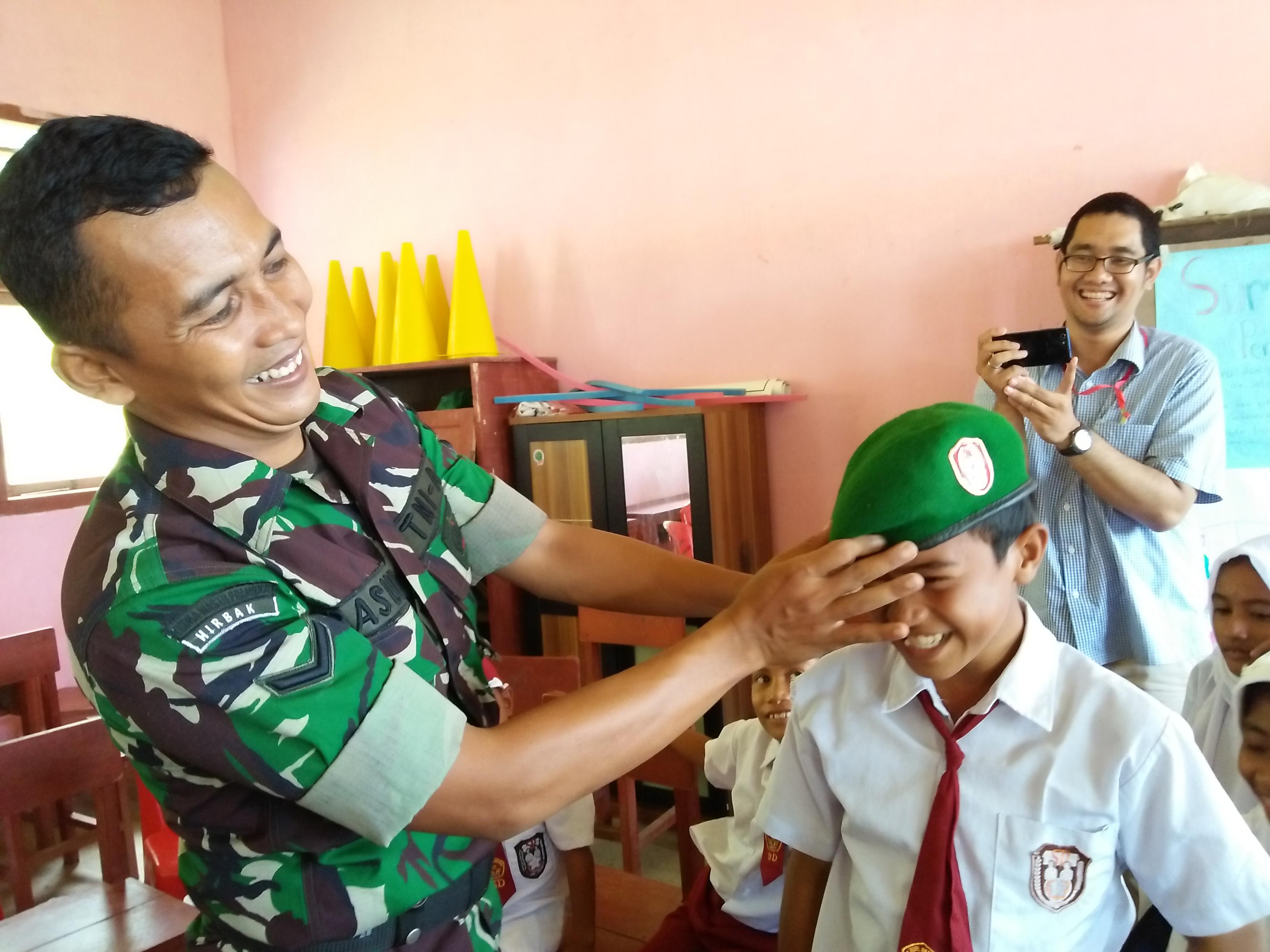Salah satu kegiatan saat mengajar di Halmahera Selatan, Kelas Inspiras. Sumber: Dokumentasi Pribadi