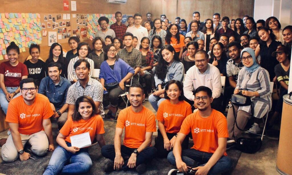 Bersama NTT Muda, Stela menularkan semangat untuk studi di luar negeri kepada pemuda pemudi di Nusa Tenggara Timur.