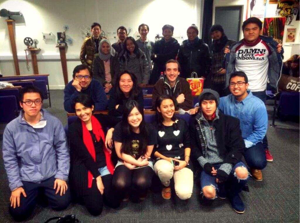 Bersama teman-teman PPI Liverpool dan tamu di acara pemutaran film Indonesia