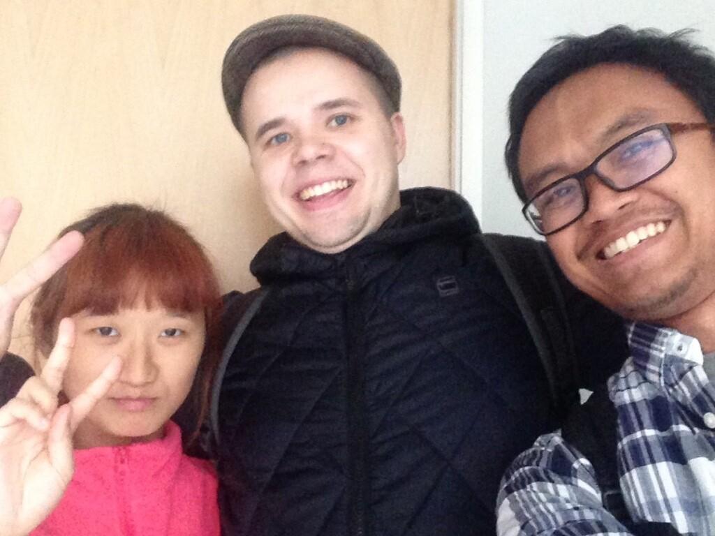 Bersama member CS dari Helsinki (host saya) dan Korea Selatan